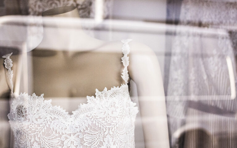 Kaleido wedding special: body image and wedding dress shopping